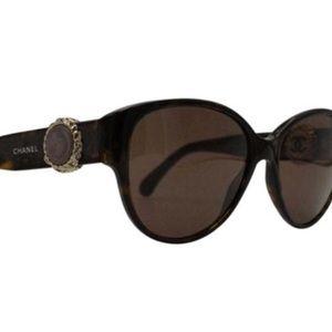 Brand new in box authentic chanel sunglasses 💞💕